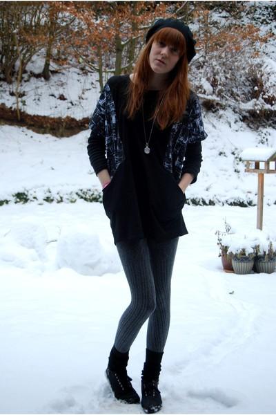 black h&m divided hat - black Monki shirt - gray H&M tights - black H&M shoes