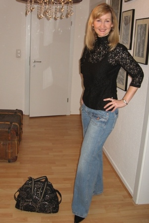 H&M top - H&M jeans - Luna llena purse