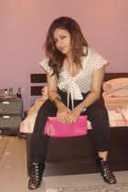 black H&M blouse - black H&M shoes - white H&M shirt - pink H&M purse