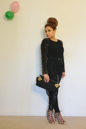 black Forever 21 leggings - black Moni &amp; J purse - tan Zara heels