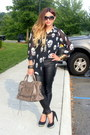 Stradivarius-leggings-skull-print-nasty-gal-shirt-balenciaga-bag