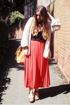 tan thrifted bag - tawny Topshop clogs - off white Topshop cardigan - black t by