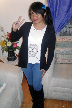diy top - boots - jeans - sweater - skull hand hair accessory