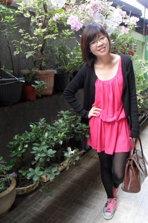 black tights - hot pink dress - brown bag - heather gray sneakers
