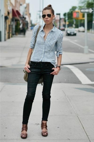 black skinny jeans - sky blue madewell shirt