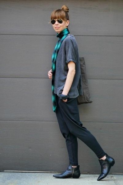 green banana republic scarf - charcoal gray asos t-shirt