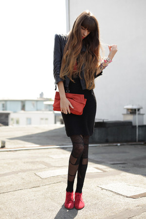 coral Mango bag - red cote dor boots - black Zara skirt