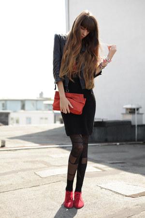 coral Mango bag - red cote dor boots - black Zara skirt