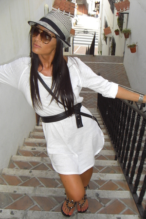 Zara dress - Uterqe sunglasses - Shoes Piel shoes - H&amp;M Kids hat - H&amp;M purse