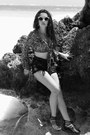 Tawny-silver-amber-vintage-ring-black-501-cutoff-levis-shorts