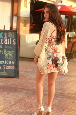 white vintage bag - light pink halter Bebe top