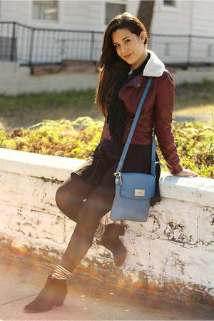 sky blue crossbody DKNY bag - black ankle urban og boots
