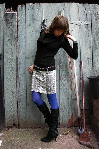 black H&M sweater - white H&M skirt - blue HUE tights - black gift accessories -