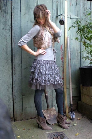 kensie vest - H&amp;M sweater - Macys skirt - HUE tights - calvin klein boots - Tops