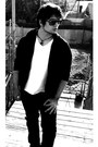 Plain-black-index-hoodie-basement-t-shirt