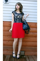 black cropped lace h&m divided top - red pleated Forever 21 skirt