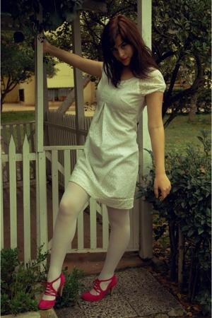 white lace Park Bravo dress - pink No39 shoes