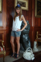Colcci shorts - H&M shirt - danielle shoes - caterina lucchi purse - H&M accesso