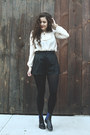 Eggshell-thrifted-from-crossroads-shirt-black-pleather-mink-pink-shorts