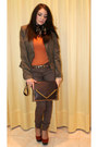 Dark-brown-jeans-tawny-shoes-light-brown-jacket-dark-brown-bag