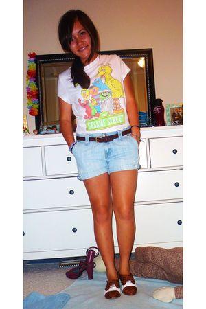 white Khols top - blue Gap shorts - brown Oxfords- Jafferty shoes - brown my mot