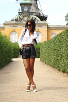 black vintage bag - black blush shop shorts - bronze blush shop belt