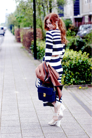 navy satchel Dahlia bag - navy striped Daisy Street skirt