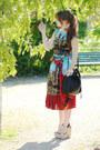 Beige-sandals-asos-shoes-red-silk-dolce-gabbana-dress