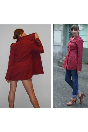 red coat - blue jeans - brown shoes