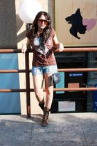 brown boots - blue shorts - brown t-shirt