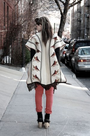 beige misc shoes - red Tripp NYC jeans - beige vintage cape - black Uniqlo top