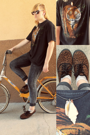 brown Shana shoes - charcoal gray tie dye Primark leggings