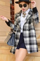 Cool Standout Plaid Coat