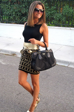 gold Forever 21 skirt - black Prada bag - gold Bakers heels - black Zara t-shirt