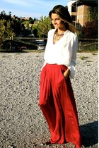 red Zara skirt - tawny Calzados Gredos shoes - black Mango sunglasses