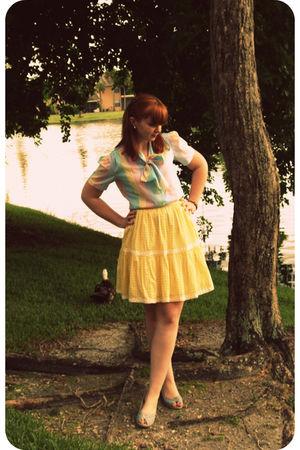 yellow vintage skirt - blue Reinvintage on etsy shirt - blue Alloycom shoes