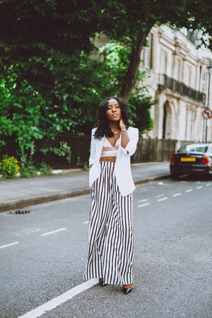 white stripe Zara pants - white blazer Zara blazer