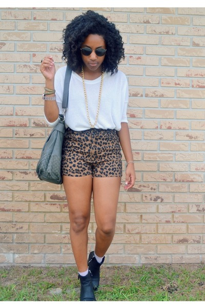 brown leopard Goodwill shorts - black OASAP ring - white TJ Maxx top