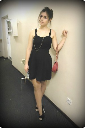 black lace up Stradivarius dress - black Quiz shoes - magenta Primark bag
