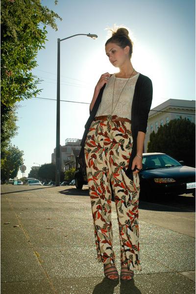 آكتفيت بها فسلاما عليِ البقيه - آزياء - orange-vintage-pants