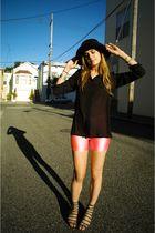black LUCYD ACYD shirt - gray deena  ozzy shoes - black deena  ozzy hat