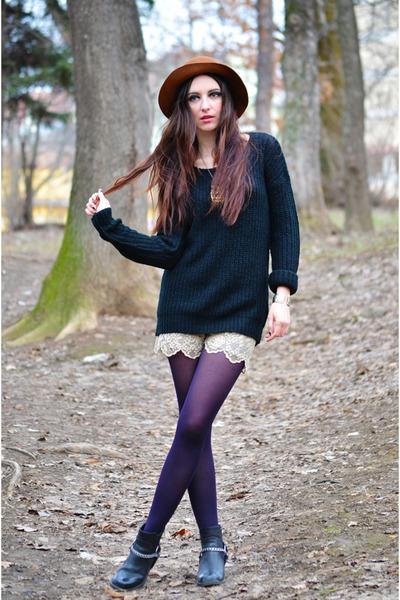 black H&M boots - black fishbone sweater
