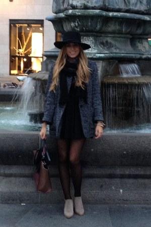 black preppy H&M dress - tan ankle boot Zara boots - gray saltpepper Mango coat