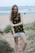 black Wasted Daisy shirt - light blue Paper Heart shorts