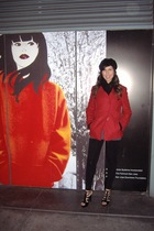 gray DKNY shirt - black Express leggings - red Guess jacket - black XX1 hat - bl
