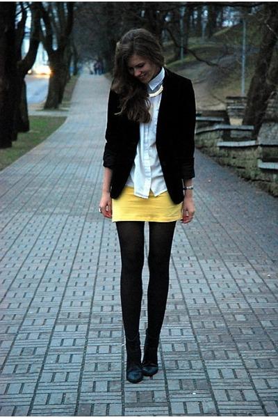 black Tamaris boots - yellow GINA TRICOT dress - black suede vintage blazer