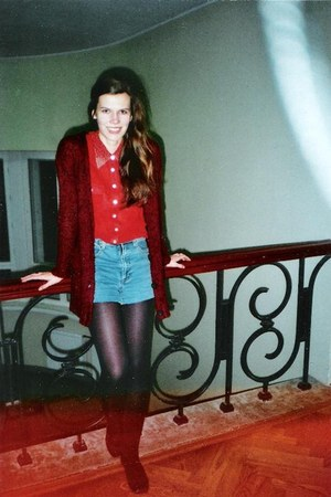 ruby red vintage shirt - crimson H&M sweater - black tights