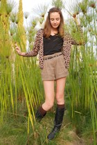 leather boots Candies boots - light brown high waisted Forever 21 shorts - knee