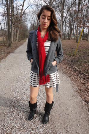 H&M dress - Target boots - Forever 21 jacket - H&M scarf - Forever 21 belt