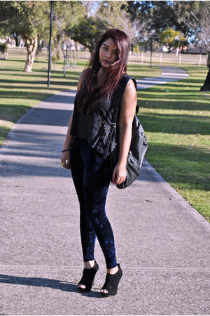 navy crushed velvet Dotti leggings - black Billabong bag